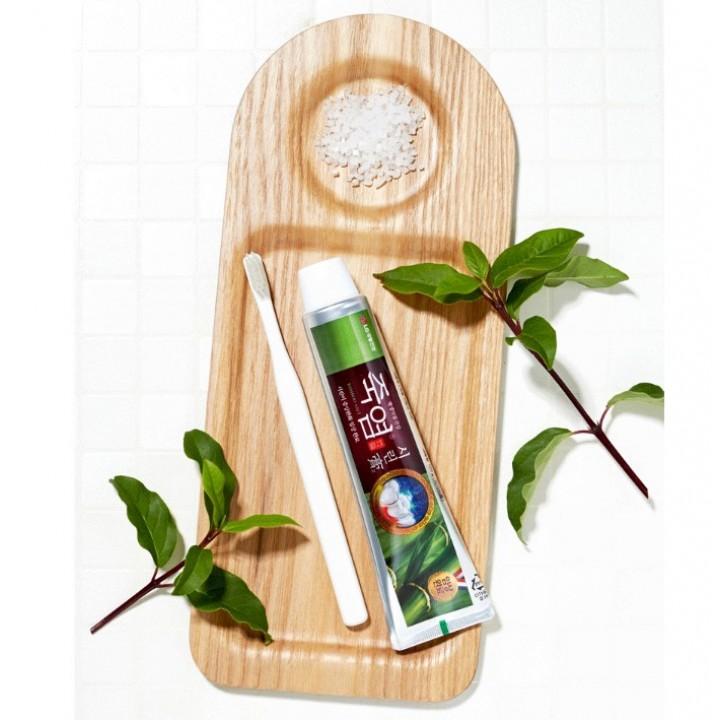 LG Bamboo Salt Toothpaste